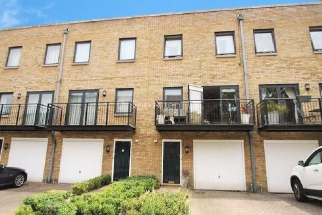 Thumbnail Town house to rent in College Road, Chatham, Kent .