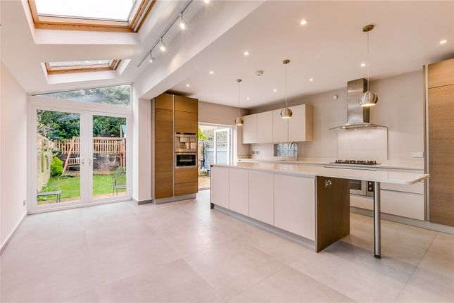 Thumbnail Semi-detached house to rent in Sutton Lane South, London