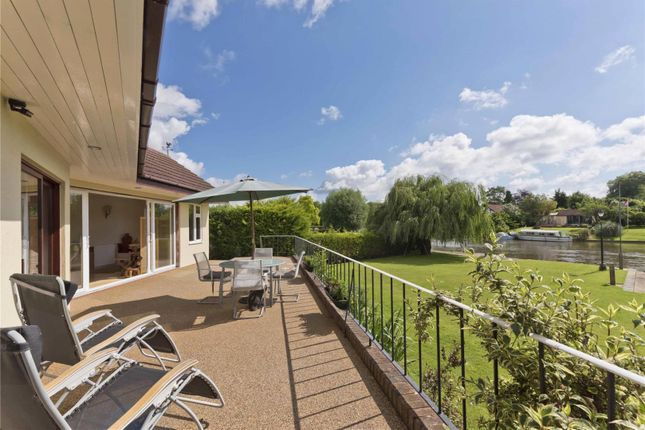 Thumbnail Detached house for sale in Hamm Court, Weybridge, Surrey