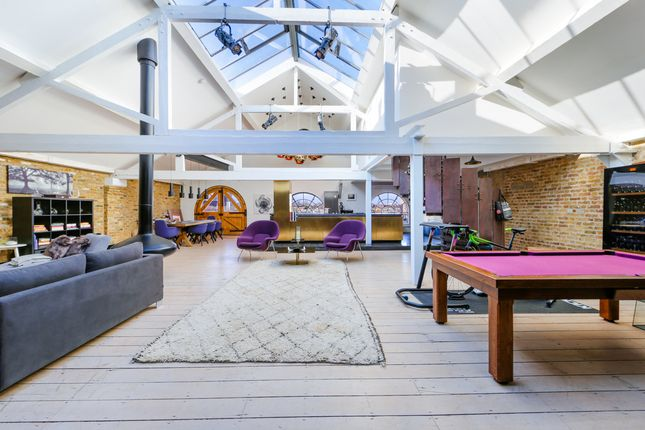 Thumbnail Flat to rent in Apartment Metropolitan Wharf, London