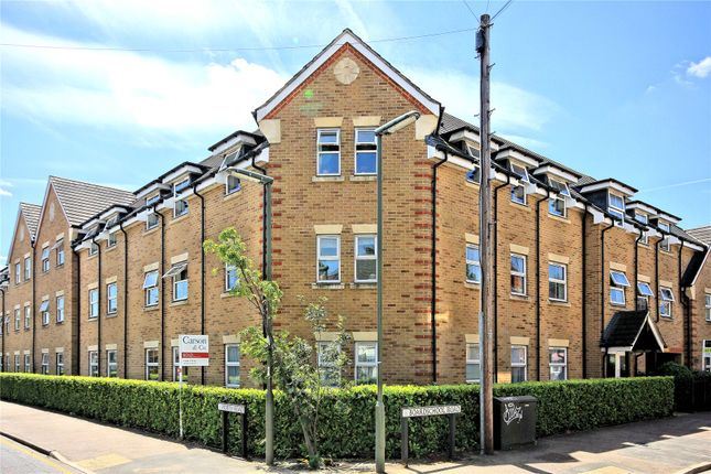 Thumbnail Flat for sale in North Road, Woking, Surrey
