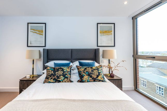 Thumbnail Flat for sale in Bedford House, Balham, London
