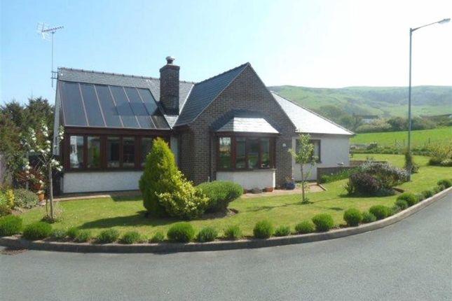 Thumbnail Detached bungalow for sale in 17, Garreg Lwyd, Tywyn, Gwynedd