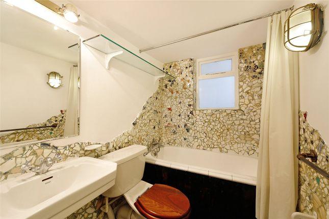 Bathroom of Pembridge Square, Notting Hill, London W2