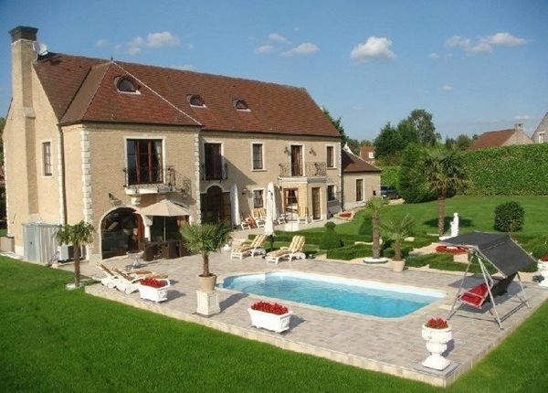 Thumbnail Property for sale in 14, Braine-L'alleud, Fr