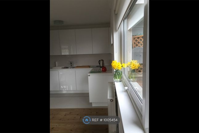 1 bed flat to rent in Styles House, London SE1