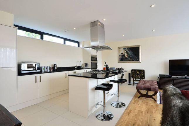 Thumbnail Flat to rent in Worple Road, Wimbledon, London