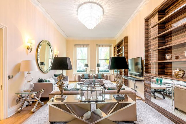 Thumbnail Property to rent in Princes Gate, South Kensington