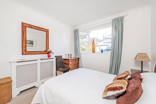 Bedroom of Callow Street, London SW3