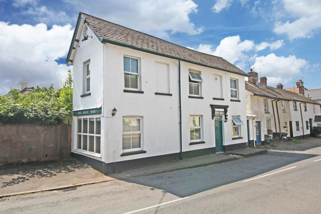 4 bed end terrace house for sale in Woodbury, Exeter