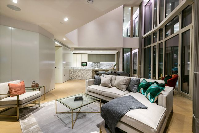 Flat to rent in Southbank Tower, 55 Upper Ground