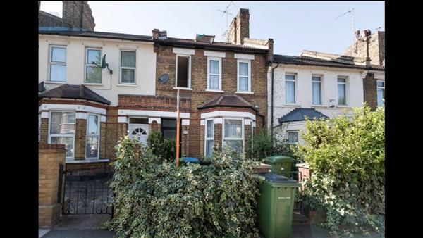 Thumbnail Property for sale in Griffin Road, London