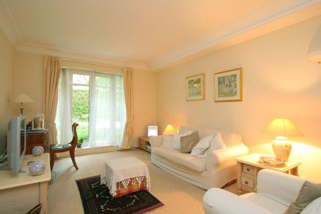 Thumbnail Flat to rent in Abbotts Walk, Kensington Green