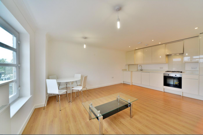 2 bed shared accommodation to rent in Vallance Road, London