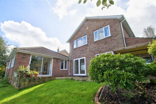 Thumbnail Detached house for sale in Highfield Close, Ravenshead, Nottingham
