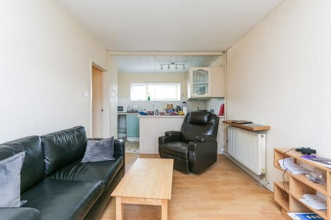Lounge 2 of Glamorgan Close, Willenhall, Coventry, West Midlands CV3