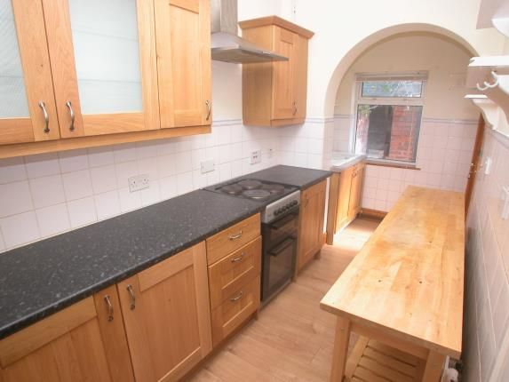 Picture No.05 of Raby Road, Neston, Cheshire CH64