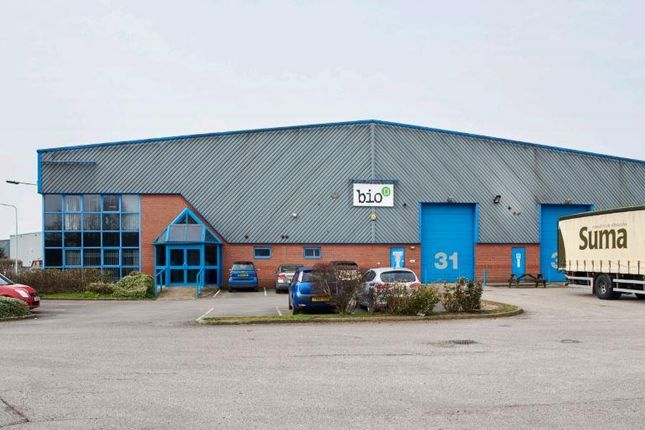 Light industrial to let in Unit 3C, Sutton Fields Industrial Estate, Bergen Way, Hull, East Riding Of Yorkshire