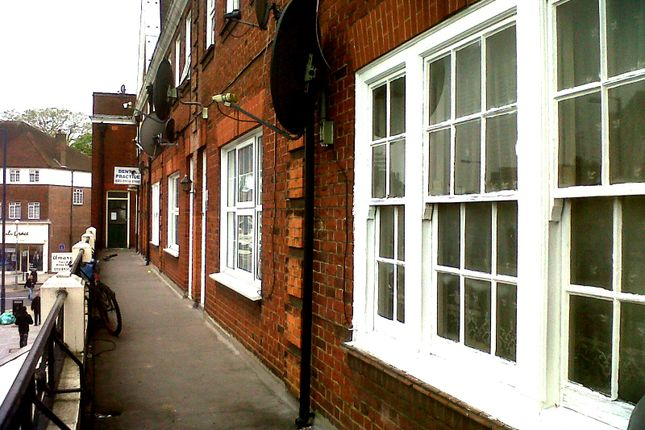 Thumbnail Shared accommodation to rent in Promenade, Edgware