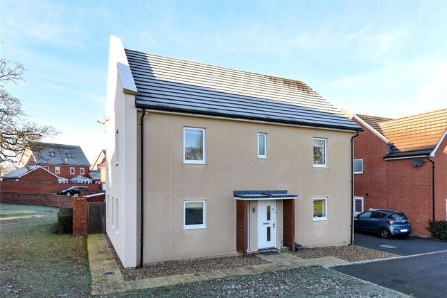 Thumbnail Detached house to rent in Mills Chase, Bracknell, Berkshire