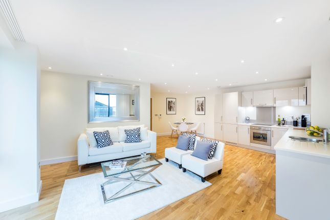 Thumbnail Flat for sale in Arc House, Tanner Street, London