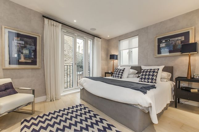 Thumbnail Mews house to rent in Vernon Yard, London