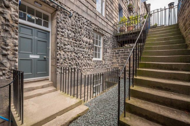Thumbnail Flat to rent in Abercromby Place, New Town