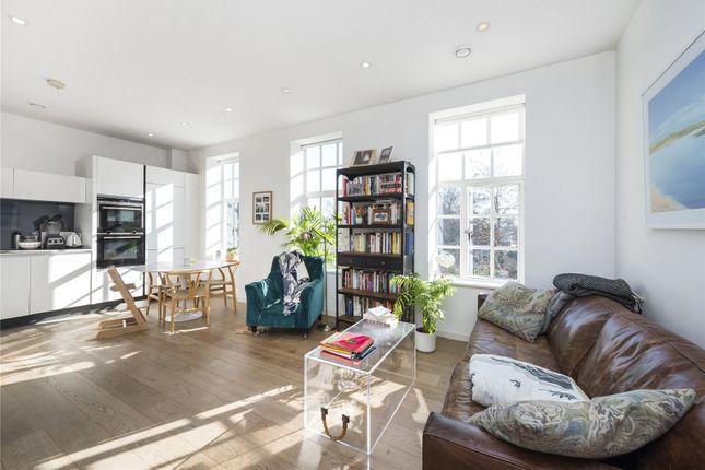2 bed flat for sale in Highbury Park, Highbury, London N5