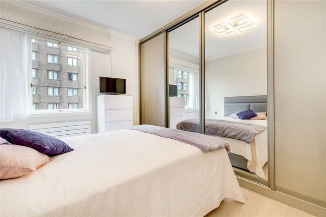 Bedroom of Hungerford House, 22 Napier Place, London W14