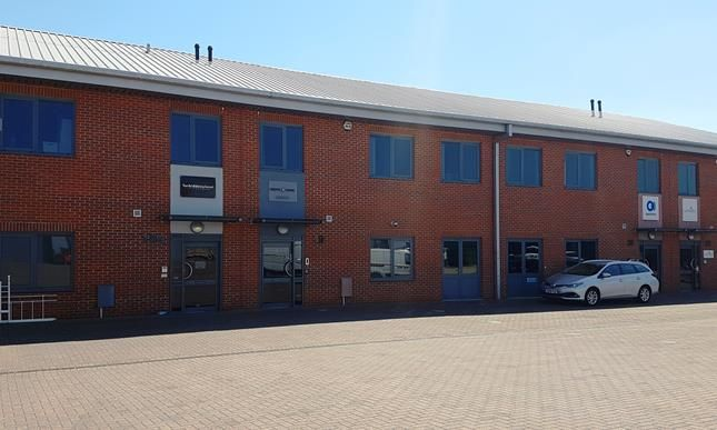 Thumbnail Office to let in Unit 19 Falcon Business Centre, Ashton Road, Harold Hill, Romford, Essex