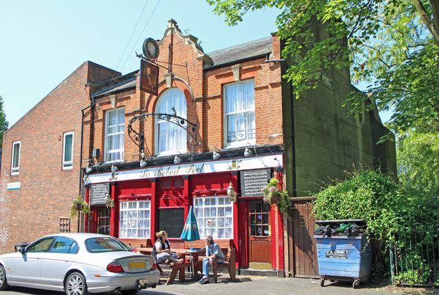 Pub/bar for sale in Langdale Close, Walworth, London