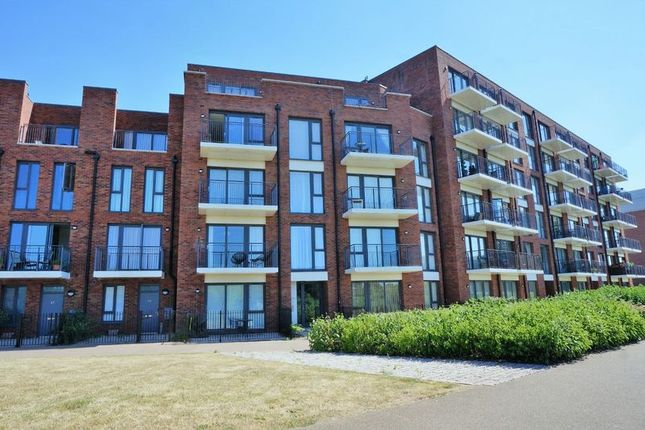 Thumbnail Flat for sale in Youngman Place, Taunton