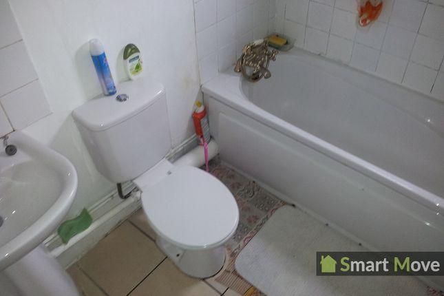 Bathroom of Craig Street, Peterborough, Cambridgeshire. PE1
