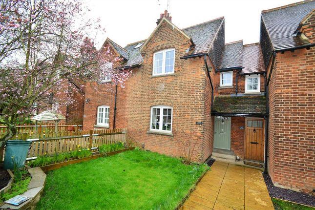 Thumbnail Cottage for sale in Glebeland, Hatfield, Hertfordshire