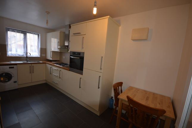 Thumbnail Property to rent in Trawler Road, Maritime Quarter, Swansea