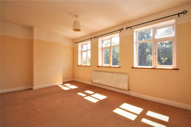 Thumbnail Flat to rent in Carlton Parade, Orpington