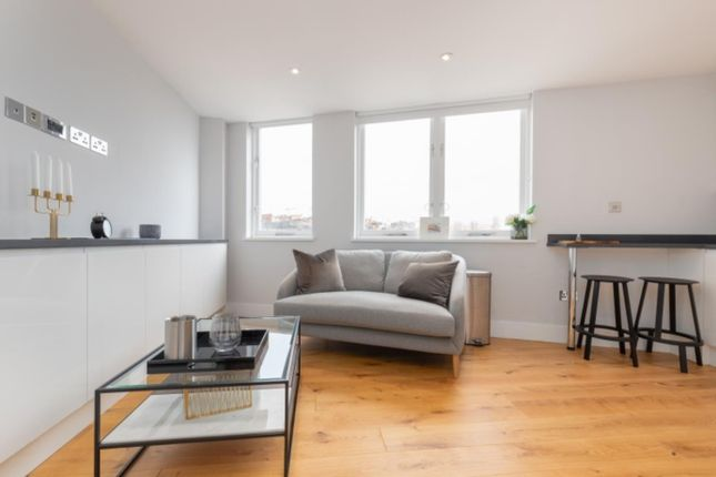 Thumbnail Flat to rent in Sloane Gate House, Doyley Street, London
