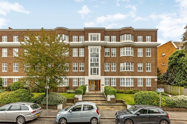 3 bed flat for sale in Wimbledon Close, The Downs, Wimbledon SW20
