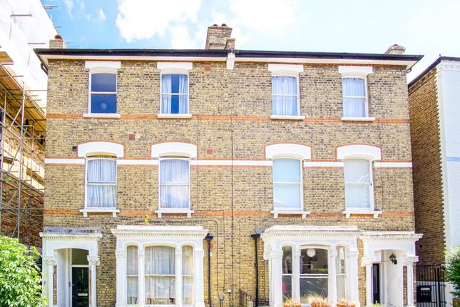 Thumbnail Flat for sale in Shaftesbury Road, Crouch End
