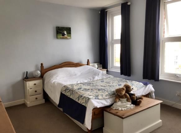 Bedroom 1 of Ampthill Road, Southampton SO15