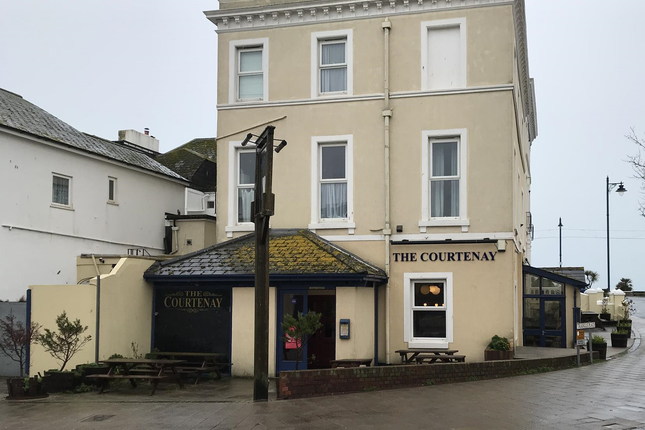 Thumbnail Restaurant/cafe for sale in Courtenay Place, Teignmouth