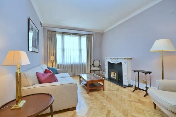 Thumbnail Flat to rent in Upper Grosvenor Street, London
