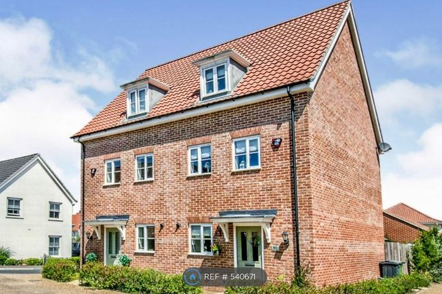 3 bed semi-detached house to rent in Coot Drive, Sprowston, Norwich NR7