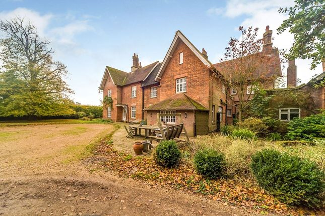 Thumbnail Country house for sale in Kings Walden, Hitchin