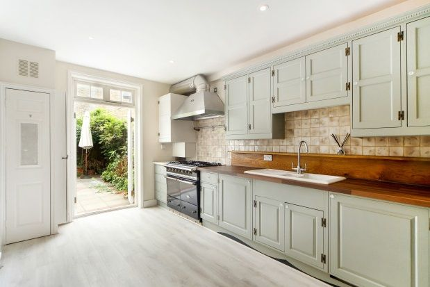 Thumbnail Property to rent in Rowallan Road, Fulham