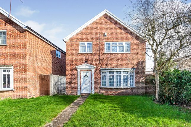 Thumbnail Detached house for sale in Furrow Way, Maidenhead
