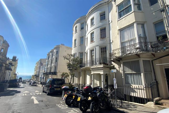 2 bed flat to rent in Waterloo Street, Hove BN3