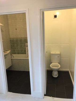 2 bed flat to rent in Penfield House, London