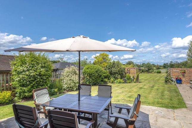 Thumbnail Detached house for sale in Moss End, Warfield