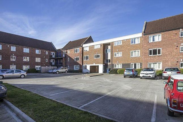 Thumbnail Flat to rent in Kirkley Lodge, Park Avenue, Newcastle Upon Tyne
